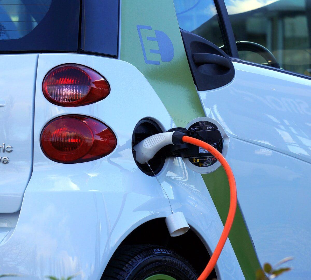 alternative-auto-automobile-battery